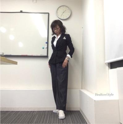 スーツスタイリスト養成講座第1回開催&大人カジュアルなジャケット×ワイドパンツコーデ