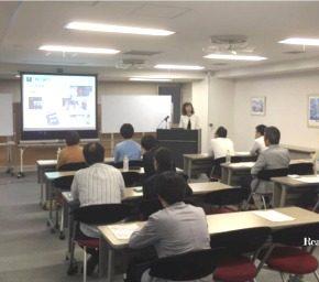 熊本地震チャリティセミナーでビジネススーツ講座。