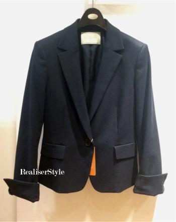 働く女性のビジネスファッション:短めジャケットを着まわすには?