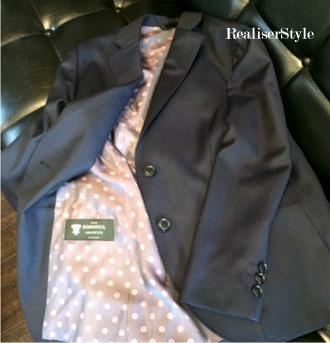 レディスオーダースーツの美しさとツィード素材の配色法。